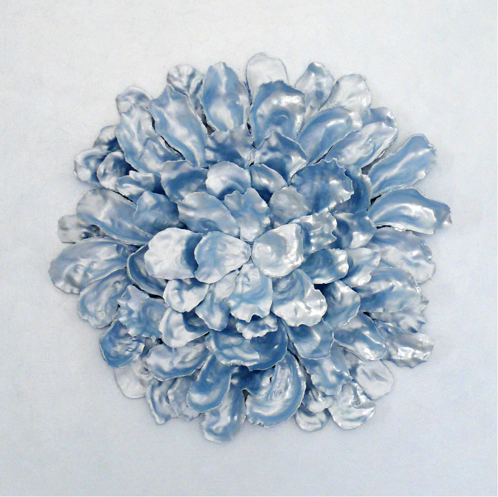 I FIORI DEL MARE: Rosamarina . 2012 - Mosaico di gusci di frutti di mare su tavola, cm.65 x 65 x 10 Opera disponibile alla vendita.