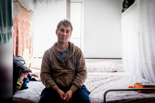 Mohamed from Afghanistan lives in the Krnjača Reception Center with his wife and their 6 year-old son. Mohamed's wife suffers from severe anemia that requires periodic hospital admissions and blood transfusions. Krnjača, Serbia 2017.