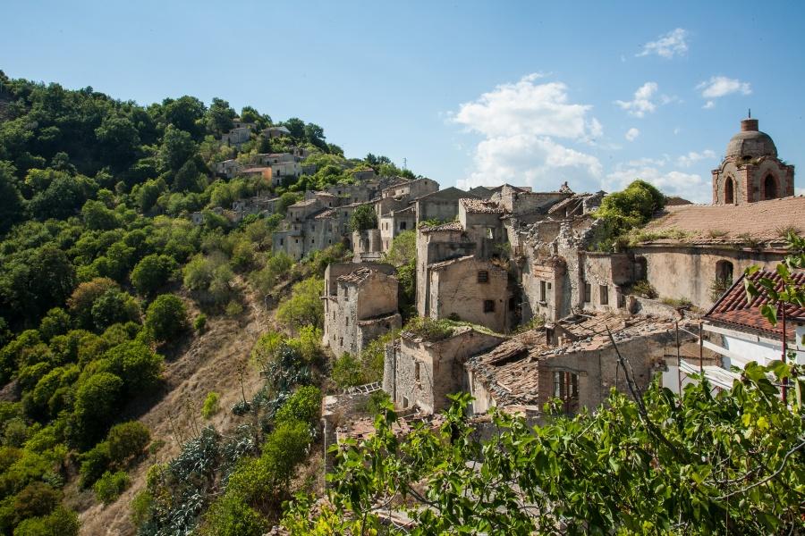 Romagnano al Monte Il paese fantasma